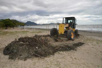 Operação Cidade Limpa vai às praias do Camaroeiro, Centro e Porto Novo