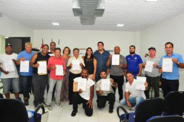 Fundo Social forma alunos do curso de auxiliar de instalação de condicionador de ar (Fotos: Luís Gava/PMC)