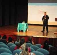 Empresários e comerciantes participam de palestra sobre o E- social