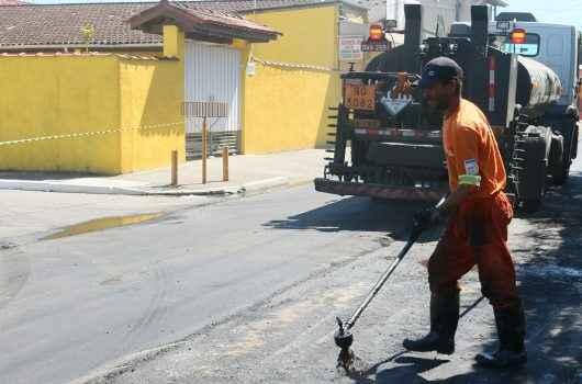 12_14 Prefeitura realiza recapeamento em principal avenida do Morro do Algodão 1