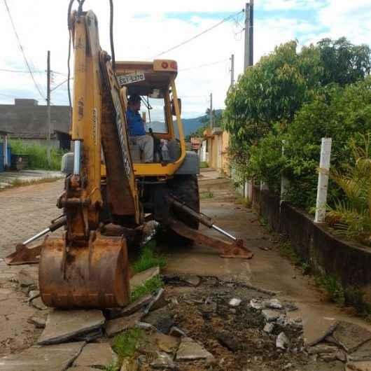 02_19 Desobstrução de tubulação na Praia das Palmeiras 2
