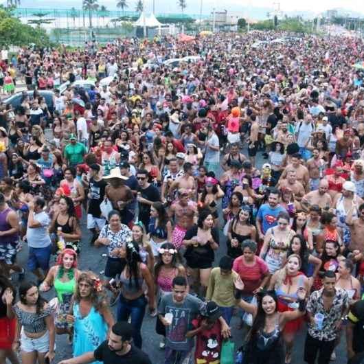 Tradicional Bloco das Piranhas é diversão do Carnaval de Rua de Caraguatatuba no sábado