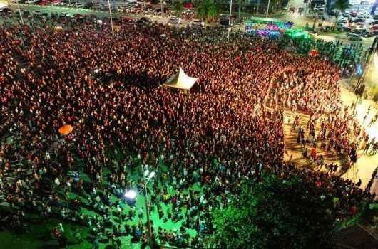 Caraguatatuba recebe mais de 8 mil pessoas em shows de aniversário neste final de semana