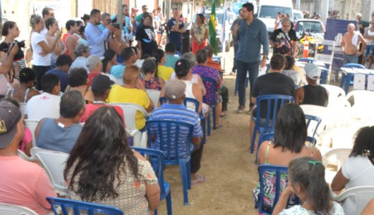 Prefeitura entrega títulos de regularização fundiária aos moradores do loteamento Jorgin Mar, no Perequê Mirim