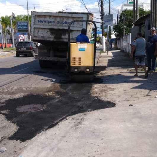 Operação Tapa-Buracos chega aos bairros Caputera, Jardim Jaqueira e Jardim Primavera