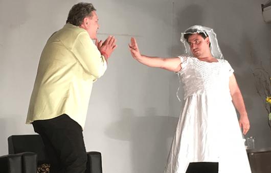 Comédia 'Até que o Tinder nos Separe' é atração de sábado no Teatro Mario Covas