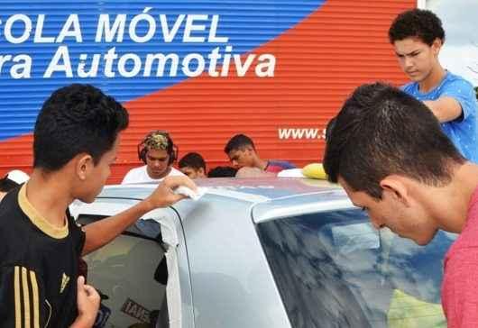 Curso de Polidor de Automóveis encerra em Caraguatatuba