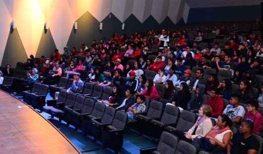 Violência e abuso sexual são temas de palestra para adolescentes e adultos em Caraguatatuba