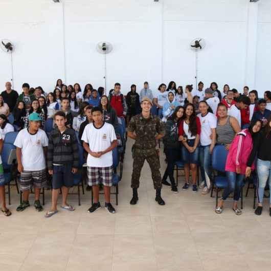 Exército Brasileiro realiza palestra para alunos da rede municipal