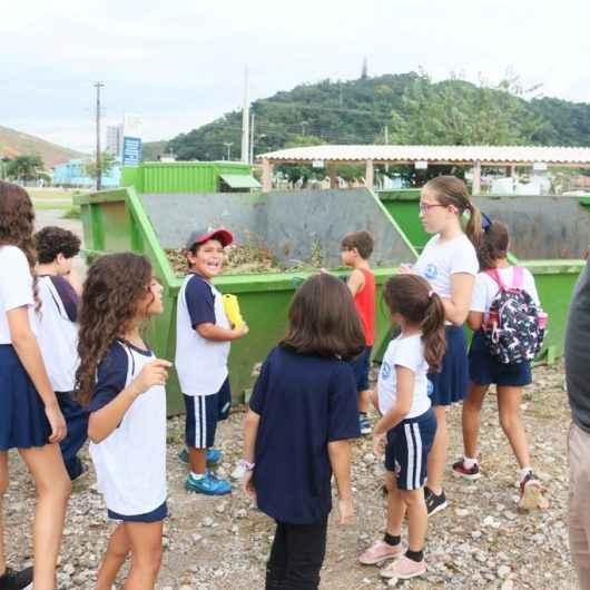 Alunos do Colégio Anglo Módulo realizam visita ao Ecoponto da Martim de Sá e Cooperativa Maranata