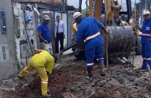 Nova rede de tubos de drenagem é construída no Tinga