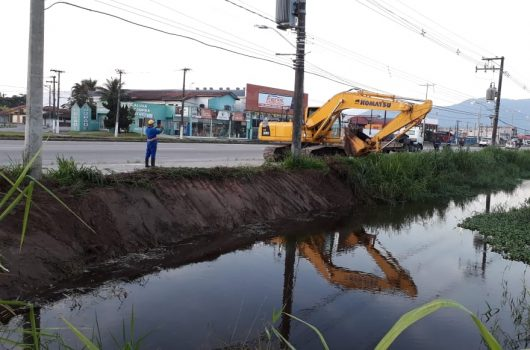 Prefeitura continua ações de drenagem no Pontal de Santamarina