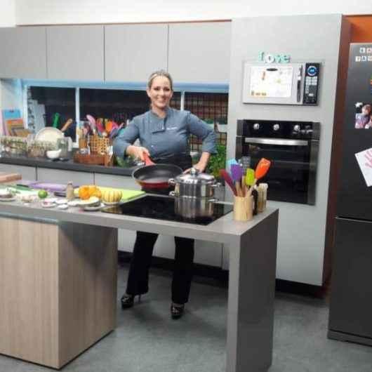 Caraguatatubense de coração estreia programa de culinária saudável na TV