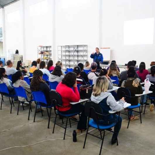 Banco de Alimentos de Caraguatatuba promove curso gratuito de Hortas Caseiras e Temperos
