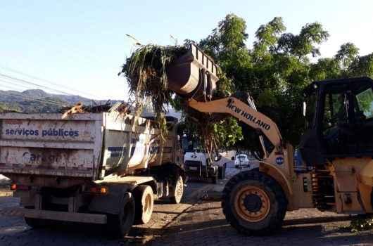 Operação Tapa-Buracos está em ação com duas equipes no Rio do Ouro e Pontal de Santamarina
