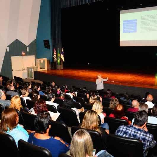 Continuam as inscrições para palestra sobre impactos da PEC da previdência no magistério da Prefeitura de Caraguatatuba