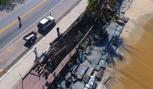 Deck destruído no Massaguaçu é retirado para segurança de usuários