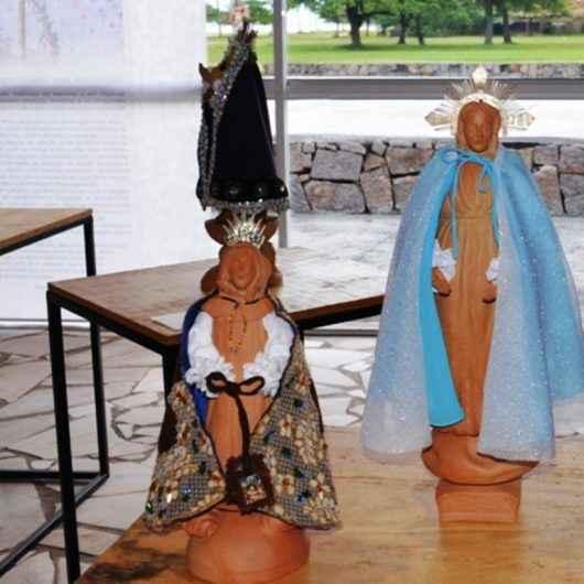 Ceramista Carlos Cury leva exposição 'Testemunho de Religiosidade' de Caraguatatuba para Piraju