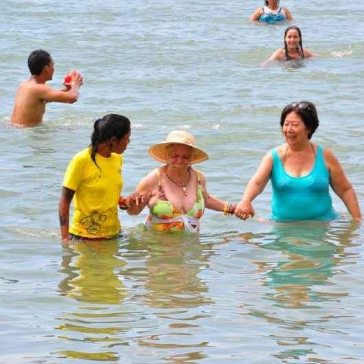 Caraguatatuba alerta para banho de mar na terceira idade