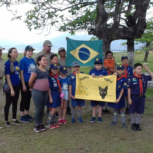 Crianças e jovens podem fazer parte do grupo de Escoteiros do Litoral Norte
