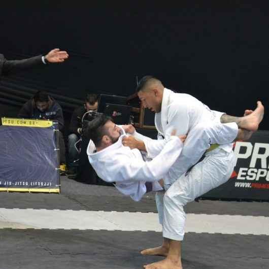 Atletas de Caraguatatuba participam de Campeonato Mundial de Jiu Jitsu