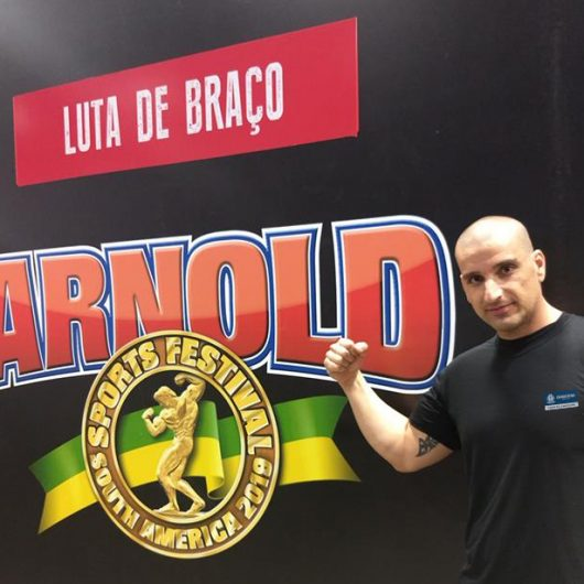 Atleta representa Caraguatatuba em Campeonato Latino Americano de Luta de Braço