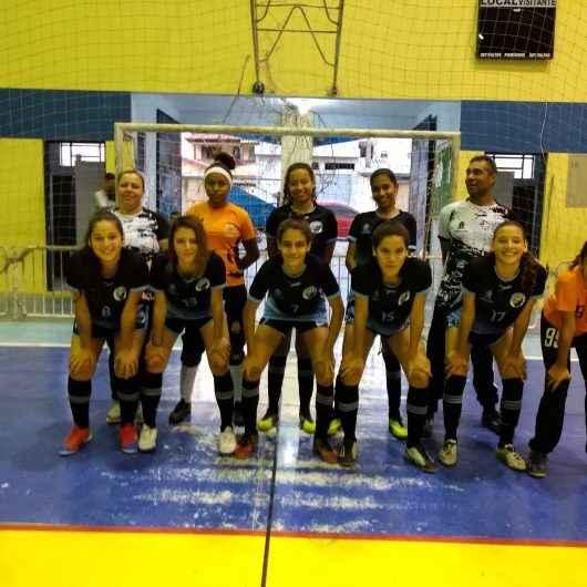 Equipe de Futsal feminina de Caraguatatuba goleia Ilhabela e garante vaga importante em competição