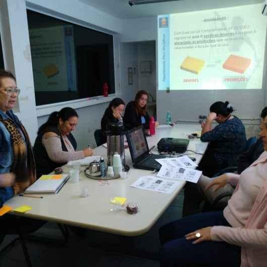 Servidores da Secretaria de Desenvolvimento Social e Cidadania de Caraguatatuba recebem noções de ética e disciplina