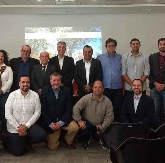 Caraguatatuba participa de reunião com representantes de municípios turísticos