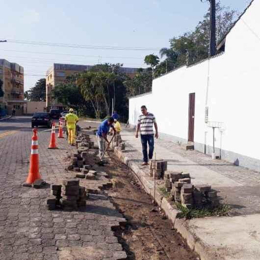 Prefeitura realiza rebaixamento de guia e construção de sarjetas no Jardim Primavera