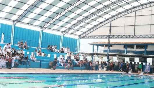 Prefeitura de Caraguatatuba inaugura primeira cobertura e reforma da piscina do Centro Esportivo desde sua inauguração há 36 anos