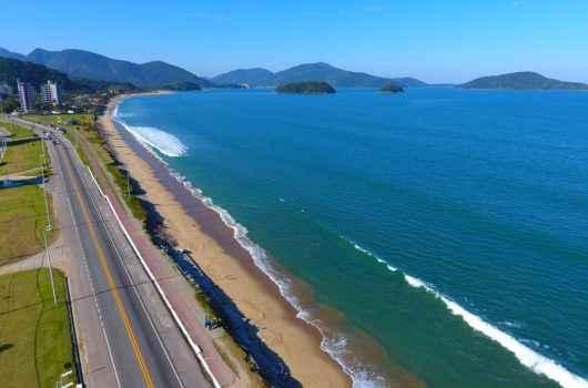 Associação de Surf apoia projeto de recifes artificiais da Prefeitura de Caraguatatuba na Praia do Massaguaçu