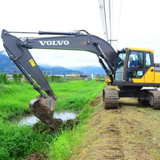Serviços de prevenção de enchentes são realizados no Pontal de Santamarina e Golfinhos