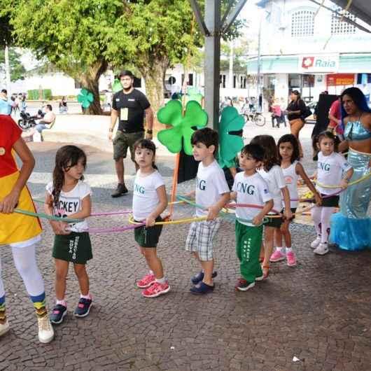 Praça do Caiçara recebe atividades recreativas do Folclore em festa
