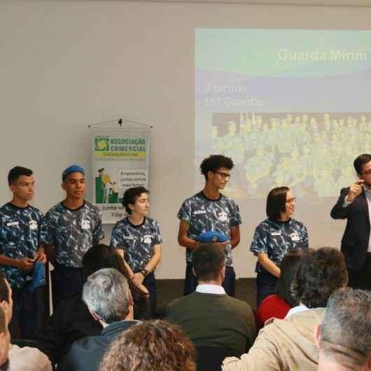 Prefeito Aguilar Junior apresenta ações da Prefeitura de Caraguatatuba voltadas ao fortalecimento do comércio local