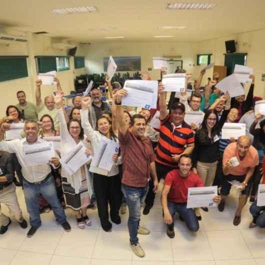 Empresários concluem 60 horas de curso de empreendedorismo da ONU oferecido pela Prefeitura de Caraguatatuba