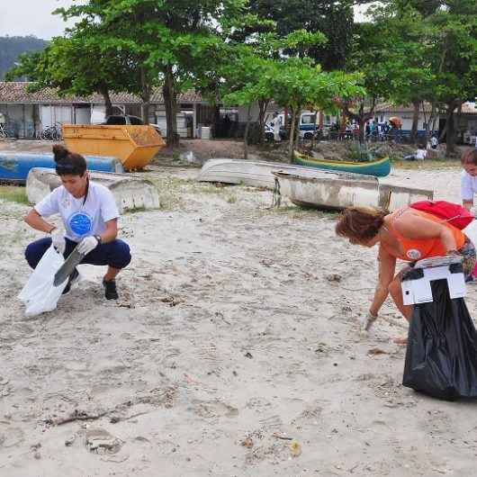 ONGs, patrocinadores e voluntários se unem para o Dia Mundial da Limpeza de Praia