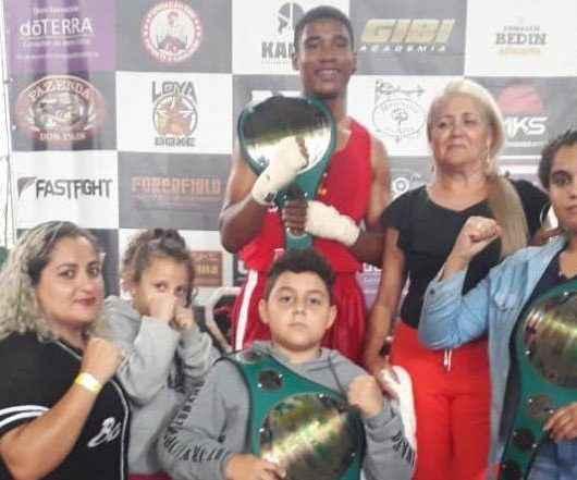 Caraguatatuba fatura três ouros no Campeonato Tony Boxe em SP