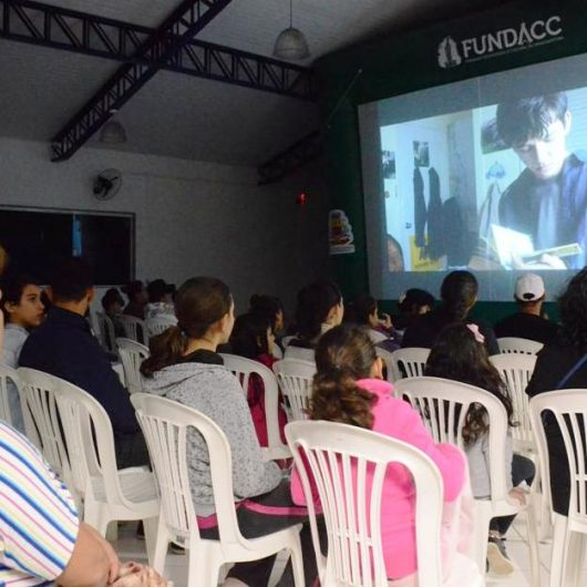 Cinema nos Bairros tem programação especial para o Dia das Crianças no Travessão