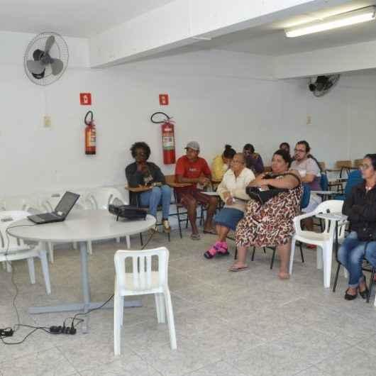 Secretaria de Habitação promove palestras no CRAS Massaguaçu sobre cadastro para unidades habitacionais