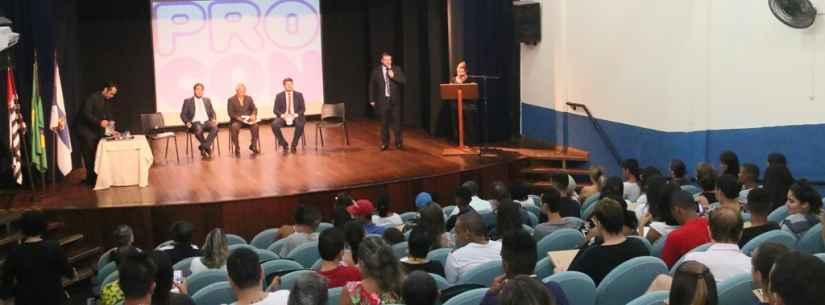 Palestra de inteligência financeira do Procon de Caraguatatuba para alunos do EJA e comunidade é nesta quinta-feira (31)