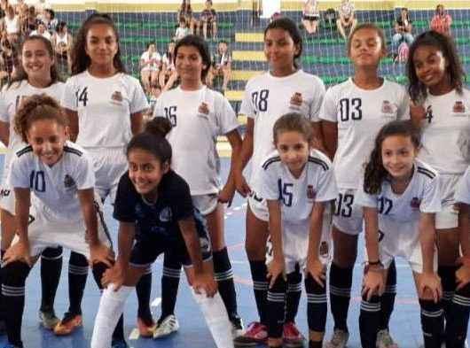 Time de futsal feminino de Caraguatatuba permanece na liderança do Campeonato LISFUTS