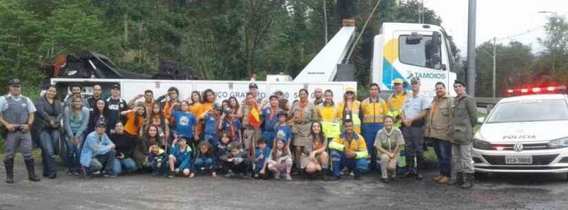 Grupo de Escoteiros participa da Semana Nacional do Trânsito