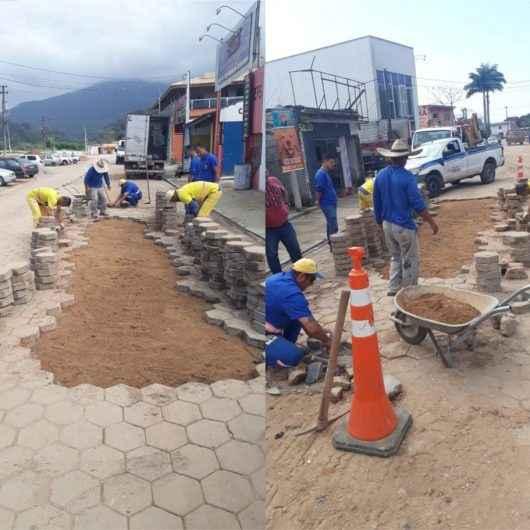 Rua do Jetuba recebe nivelamento e reassentamento de bloquetes