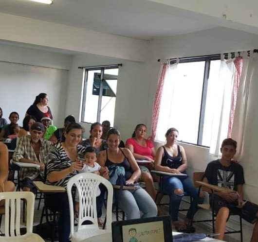 Equipe da Central de Relacionamentos 156 percorre espaços da Prefeitura para divulgar serviços à população