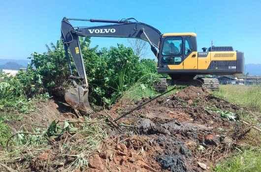Loteamento Rio Marinas recebe serviços de prevenção de enchentes