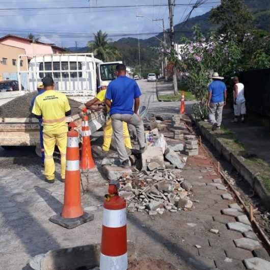 Novas sarjetas para escoamento de água das chuvas são confeccionadas no Tinga e Gaivotas