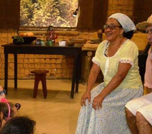 Contadores de história de Caraguatatuba recebem Moção de Congratulação na Câmara Municipal
