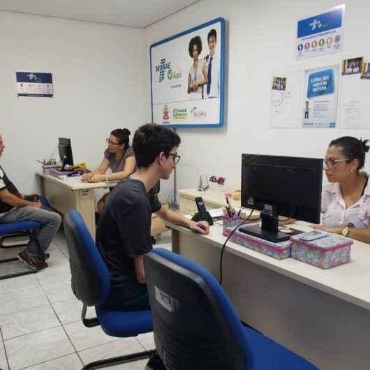 Alunos de escola municipal de Caraguatatuba aprendem noções de empreendedorismo com empresários locais