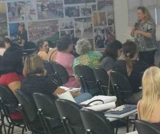 Gestores da rede municipal de ensino de Caraguatatuba debatem ética e disciplina no serviço público